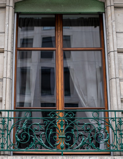 Fenêtre tout bois à l'ancienne